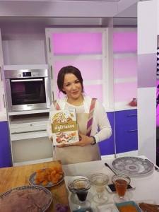 Concours livre ma cuisine algérienne x20179698_1368234759911313_550388520_n.jpg.pagespeed.ic.L8V1Z_1-d1