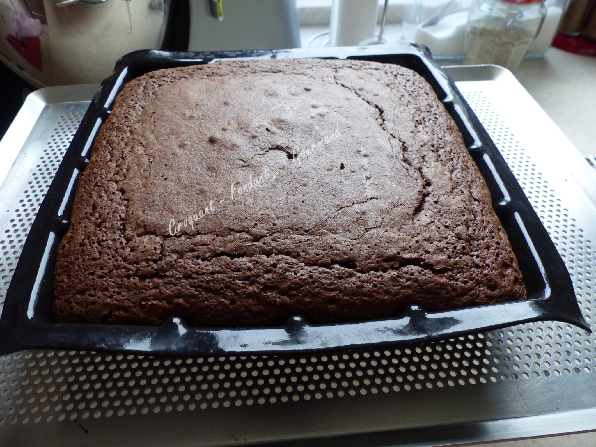Gâteau 16 trous, chocolat-caramel P1020356