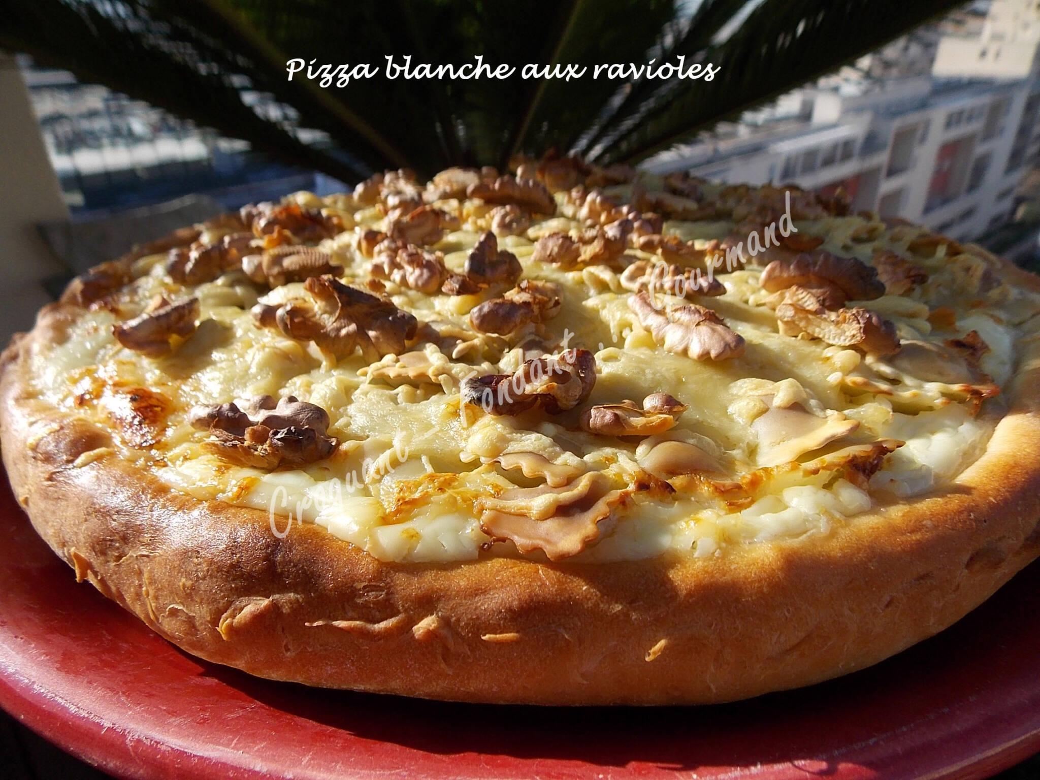 Pizza blanche aux ravioles DSCN3057