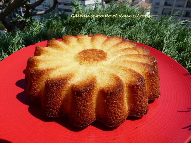 Gâteau semoule et deux citrons P1040666