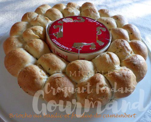 Brioche au basilic et fondue de camembert P1120843 R